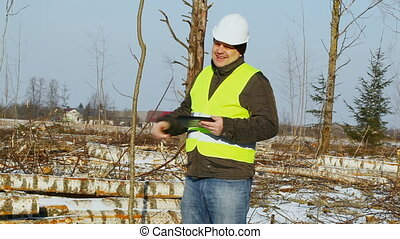 Lumberjack with tablet PC
