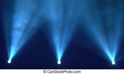 lumière bleue, résumé, tache, fumée