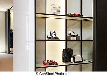 luminoso, grande, luxo, armazém sapato, com, novo, cobrança