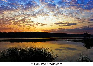 luminoso, tramonto, lago, nuvoloso, sopra