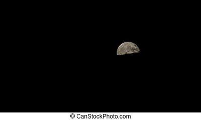 lune, au-dessus, nuages, entiers, levée
