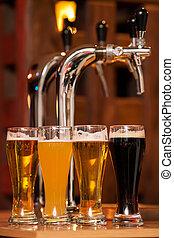 lunettes, bière, quatre