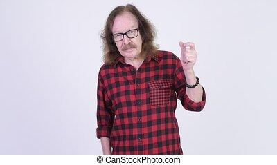 lunettes, projection, claquer doigts, hipster, quelque chose, homme aîné, heureux
