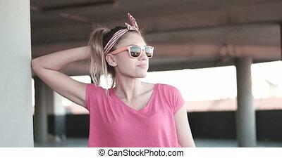 lunettes soleil, femme, jeune