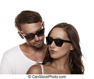 lunettes soleil port, couple, isolé, fond, blanc, sur