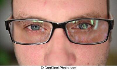lunettes, yeux, close-up., émotions, homme, face., muscles, facial, là