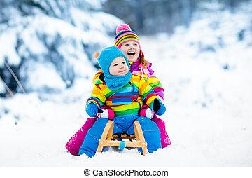 lurar, på, sleigh, ride., barn, sledding., vinter, snö, fun.