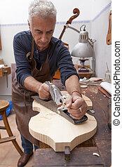 lutemaker, zijn, werkende , workshop, ambachtsman, viool