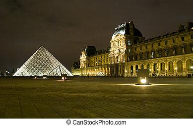 luwr museum, w, paryż, w nocy, francja