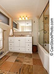 luxe, classique, sous-sol, salle bains, à, blanc, et, beige