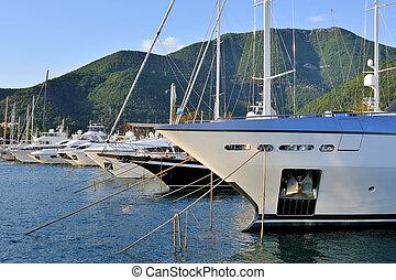 luxe, jachthaven, bootjes