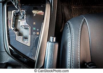 luxe, moderne, décalage pignon, dans voiture