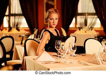 luxo, menina só, jovem, restaurante, bonito