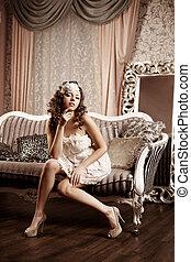 luxo, mulher, em, moda, interior