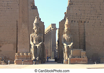 Luxor temple - Luxor temle is the second biggest temple in...