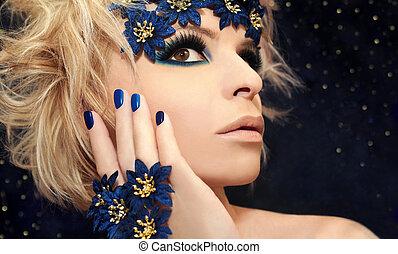 luxueux, bleu, manucure, et, maquillage