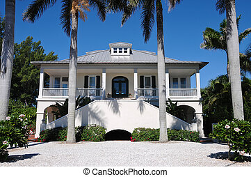 Beach House - Luxurious Beach House