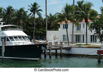 Luxurious mansion at Hibiscus island, Miami, Florida