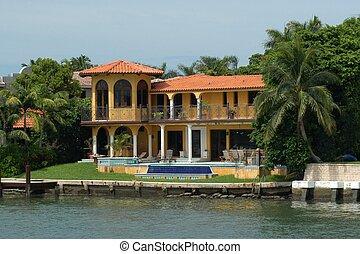 Luxurious mansion in Miami Beach, Florida