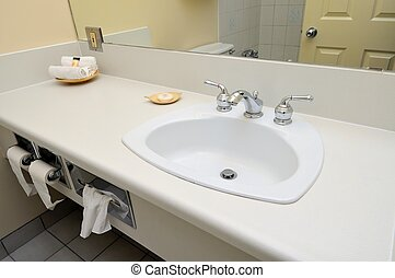 Luxurious wash basin - Luxurious white wash basin area with...
