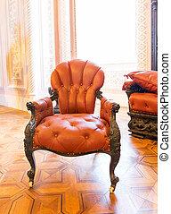 Luxuroius vintage arm-chair