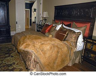 Luxury 1 - Bedroom 1