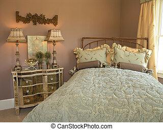 Luxury 6 - Bedroom 1