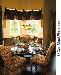 Luxury 6 - Dining 2