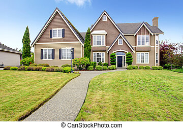 Luxury big house with beautiful curb appeal - Big clapboard ...