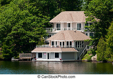 Luxury Cottage with a boathouse