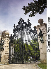 Luxury Gate to Gilded Age Mansions: The Breakers - The...