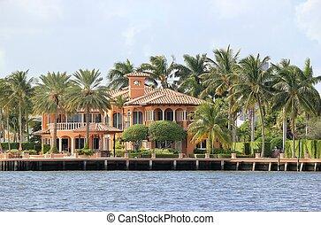 Luxury home 4