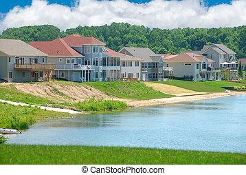 Luxury Lakeside Homes in Summer