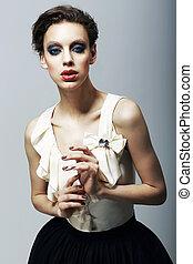 luxury., magnetism., excéntrico, modelo, en, moderno, dress., carácter