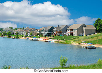 Luxury Vacation Homes - Beautiful summer homes on a lake in Michigan, USA.
