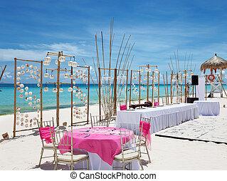 Luxury wedding on a beach