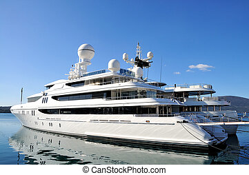 Luxury yacht - Large luxury yacht anchored at Porto ...