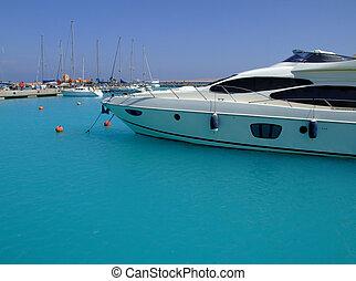 luxury yachts 02