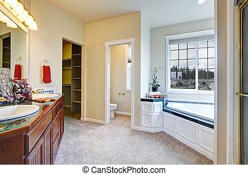 Inneneinrichtung badezimmer luxus spalten badezimmer for Inneneinrichtung badezimmer