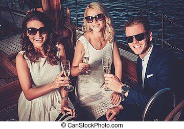 luxus, haben, friends, yacht, wohlhabend, spaß, stilvoll