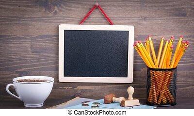 luz elétrica, bulbo, ligado, chalkboard