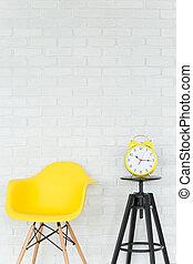 luz, interior, con, energético, amarillo, detalles