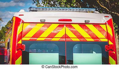 luz intermitente, en, un, rojo, ambulancia, bomberos