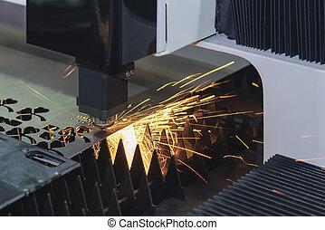 luz laser, metal, máquina, enquanto, corte, folha, sparking, cortador