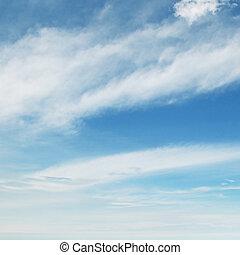 luz, nubes, en, el, cielo azul