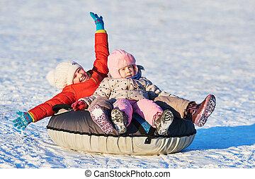 lycklig, barn, in, vinter