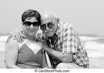 lycklig, elderly kopplar ihop, avnjut, deras, avgång, semester, nära, den, hav