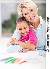 lycklig, farmor, och, sondotter, krama