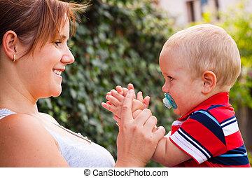lycklig, mor och baby