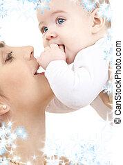 lycklig, mor spela, med, baby pojke